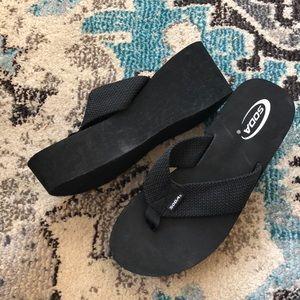 SODA platform sandals NWOT Size 10
